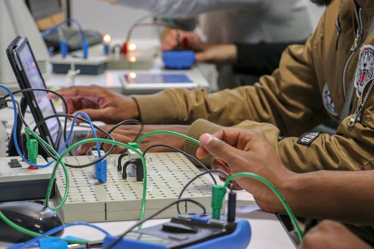 cours électronique CFA AFMAé travaux pratiques